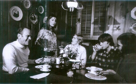 Gerald Ford and family having breakfast