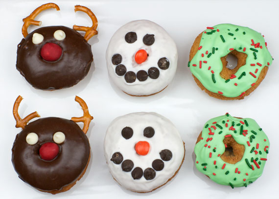 Christmas Cake Donuts: Reindeer, Snowmen And Wreaths