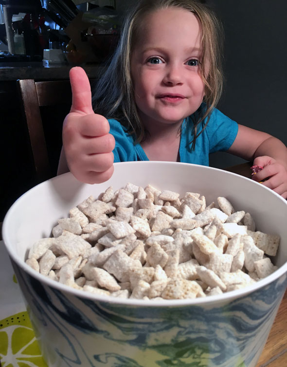 Thumbs-Up for Blueberry Lemon Muddy Buddies