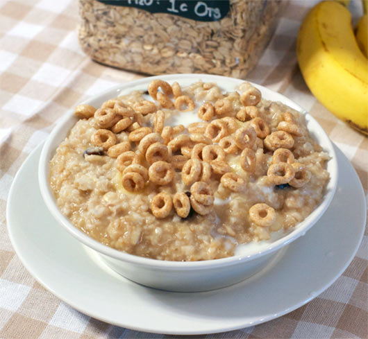 How To Make Banana Raisin Oatmeal In The Microwave