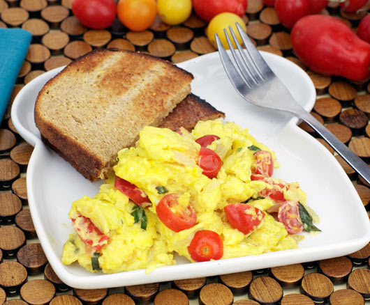 Onion And Tomato Scramble