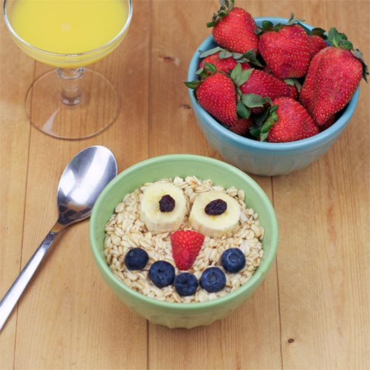 Fruit Juice Oatmeal w/ Fruit Face