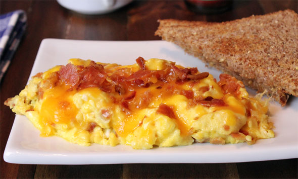 Spicy Bacon Omelet Scramble