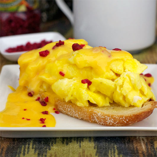 Scrambled Eggs With Microwave Cheese Sauce