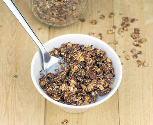 Cocoa Granola Made Without Oil