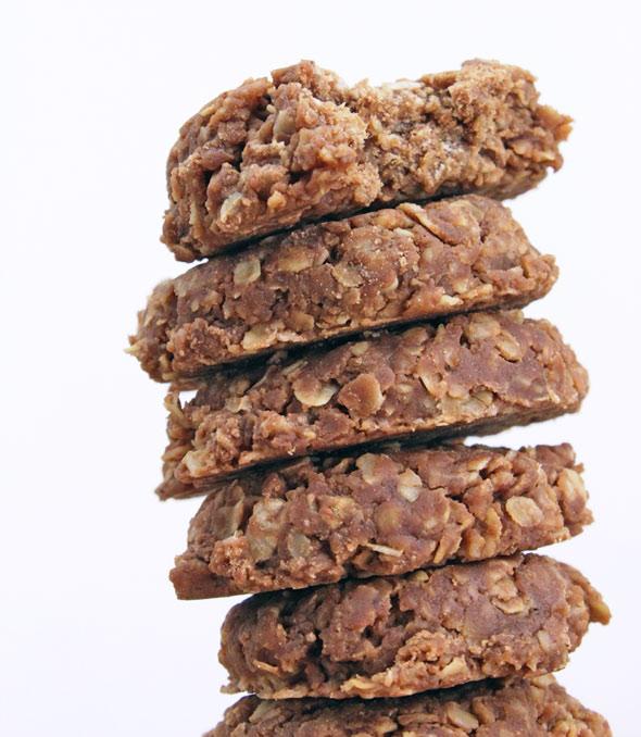 No-Bake Chocolate Oatmeal Cookies Recipe | MrBreakfast.com