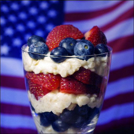 4th Of July Red, White & Blue Oatmeal Parfaits