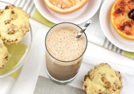 Clint Black's Skinny Chocolate Banana Smoothie