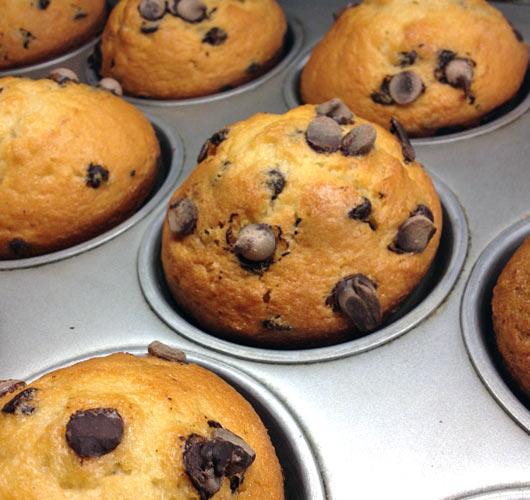 cinnamon chocolate chip muffins recipe. Black Bedroom Furniture Sets. Home Design Ideas